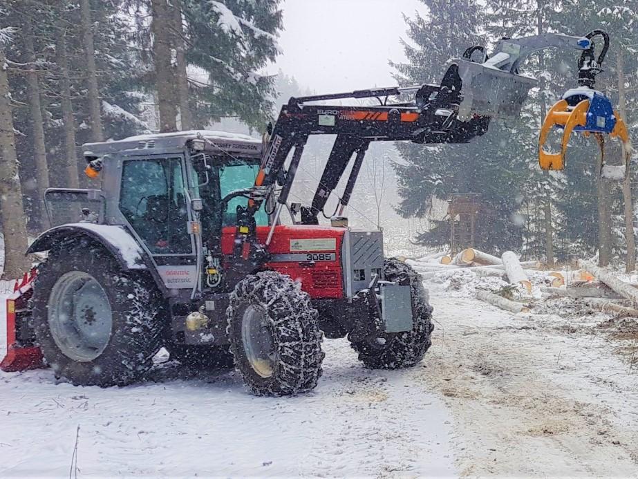 gebrauchter Forsttraktor